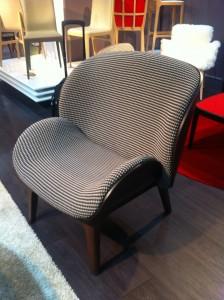 Le célèbre fauteuil HUG dessiné par J.M Gady vient d'avoir un petit frère nommé Câlin ! Comme son nom l'indique, une fois assis on ne le quitte plus !