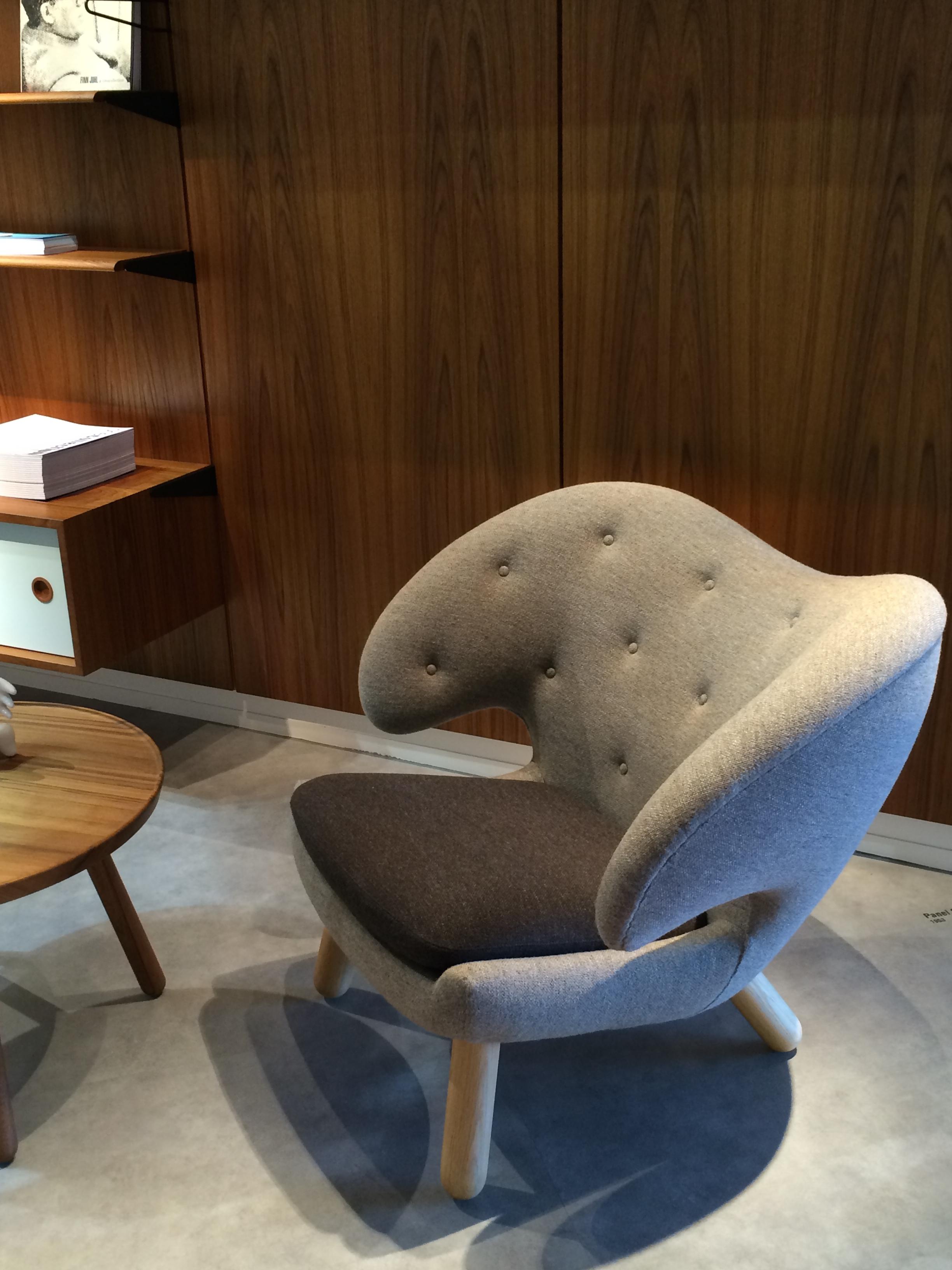 Le fauteuil pelican dessin par finn juhl en 1940 est enfin r dit par one collection ultra - Fauteuil pelican finn juhl ...