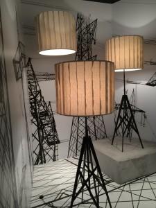 Moi, l'amoureuse de Paris, comment ne pas craquer sur le nouveau lampadaire PYLON chez FOSCARINI-DIESEL ! Une tour Eiffel dans son salon!