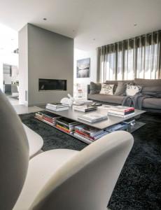 caroline-desert-decoratrice-interieur-salon-contemporain-table-basse-beton-triss-2