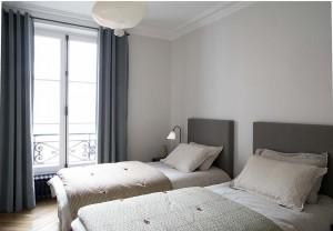 caroline-desert-decoratrice-interieur-chambre-teinte-douce-linge-de-lit-caravane-19