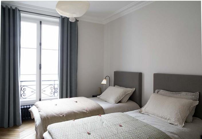 Appartement parisien 6 me caroline desert for Caravane chambre 19 linge maison