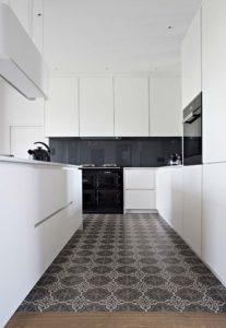 Caroline-Desert-Decoratrice-interieur-Rennes-Paris-renovation-cuisine-carreaux-de-ciment-presbytere5