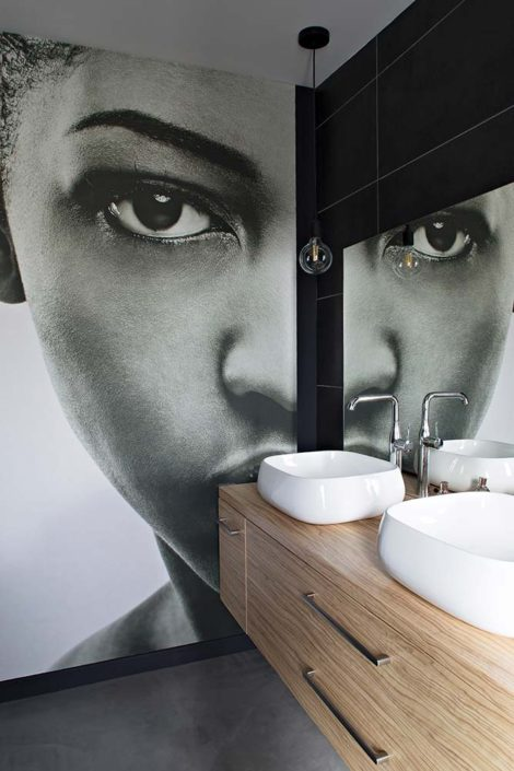Caroline-Desert-Decoratrice-interieur-Rennes-Parissalle-de-bain-papier-peint-visage-femme-gahard12