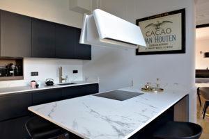 Caroline-desert-decoratrice-interieur-cuisine-marbre-blanc-noir-8