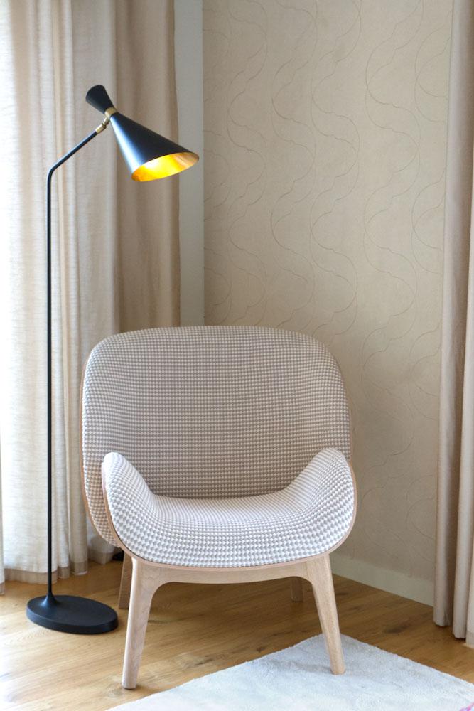 Fauteuil calin lampe seventy roche bobois caroline desert - Roche bobois fauteuil ...