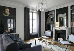 caroline-desert-decoratrice-dinterieur-salon-contemporain-noir-et-bois-1
