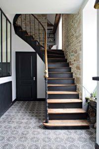Caroline-Desert-Decoratrice-interieur-Rennes-Paris-rénovation-entree-carreaux-de-ciment-presbytere1