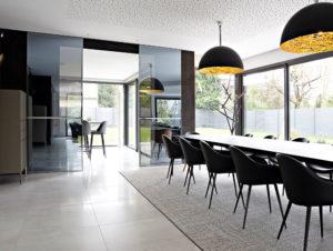 Caroline-desert-decoration-interieure-rennes-paris-maison-contemporaine-table-rimadesio-4