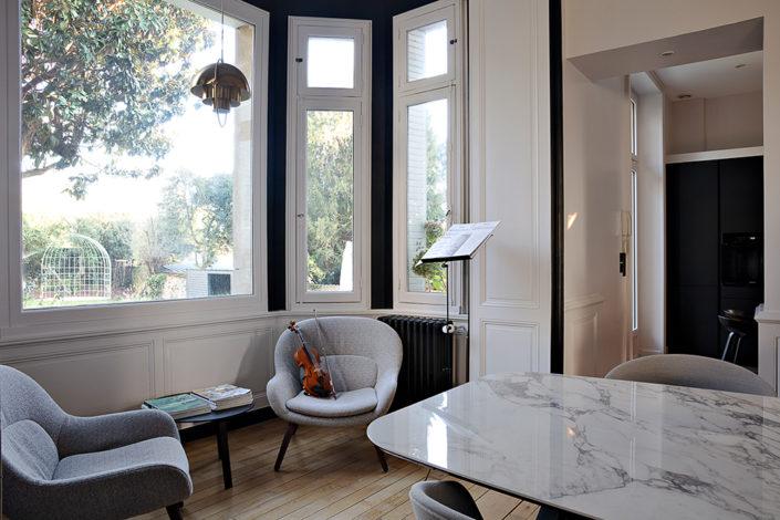 Caroline-desert-decoratrice-interieur-salon-fauteuil-Bolia-6